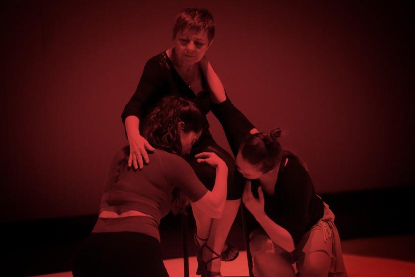 Sïlvia Pérez Cruz, Lola Cruz y Rocío Molina Cruz. / foto: Pablo Guidal
